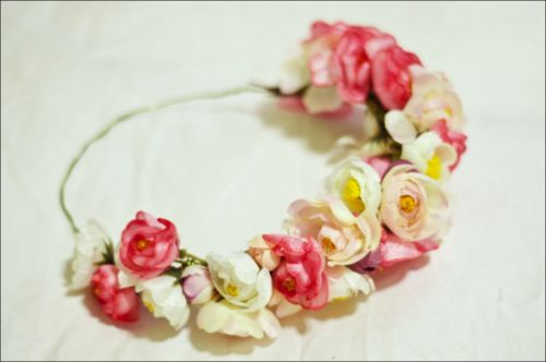 UPDATE: made a lot of these flower crowns this summer. I totally recommend it ;]