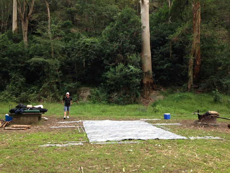 The #CampKingsCrew at the 5 minute mark setting up the #CAMPAKIT #TarPOLEInRange #tarpaulin #shelter #camping at #WheenyCreek #campground on our #GTFO #GetTheFamilyOutdoors #adventure