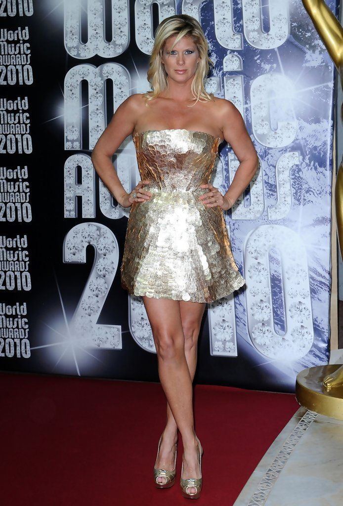 Rachel Hunter Strapless Dress - Strapless Dress Lookbook - StyleBistro