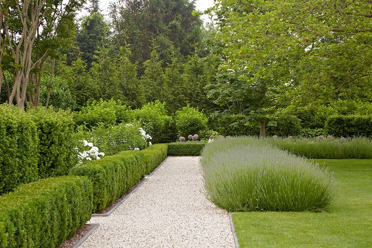 Tour Beautiful Gardens by Edmund Hollander Design | Architectural Digest