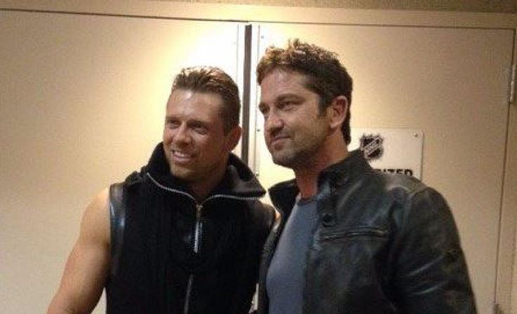 Gerard Butler was backstage at WWE Raw last night in California