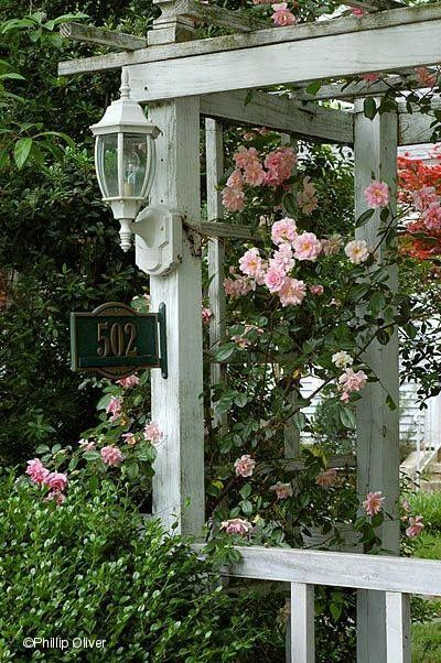 76 best images about arbor and trellis on pinterest for Decoration jardin shabby