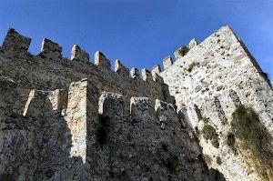 Alanya - Turcia. Zidurile cetății vechi. http://vacantierul.ro/idei-de-cadouri-pentru-mirese-marc-antoiu-i-a-daruit-cleopatrei-o-cetate-alanya/