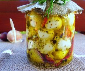 Mini mozzarelki marynowane w oliwie... - MojeGotowanie.pl - Przepisy - Przetwory - Mini mozzarelki marynowane w oliwie...