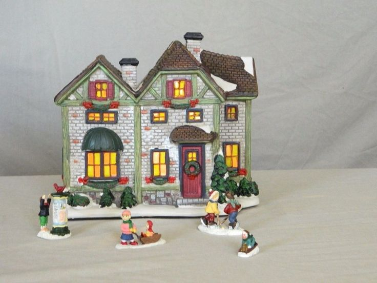 CHRISTMAS LIGHTED VILLAGE HOUSE - MAYBERRY STREET  -BROWN ROOF HOUSE-HOLIDAY