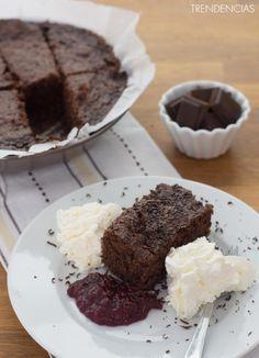 Receta de brownie express sin horno. Con fotos del paso a paso, los ingredientes y la presentación. Trucos y consejos de elaboración. Recetas de ...
