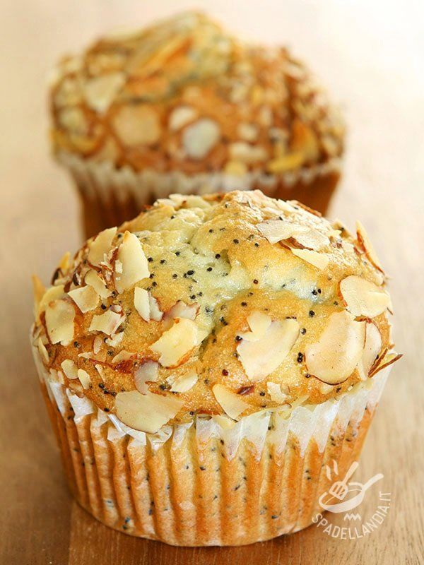 Muffins di marzapane, mele e mandorle - Dessert / Dolcetti e crêpes #muffin #muffindimarzapane #muffindimele #muffindimandorle