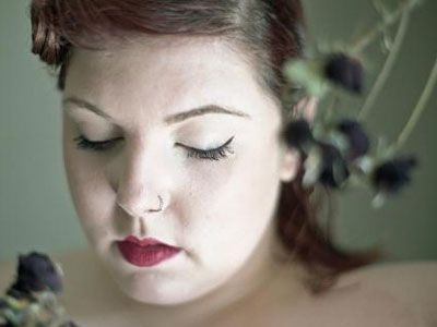 "5 Things To Know About Mary Lambert, The Female Vocalist On Macklemore's ""Same Love"" Song"