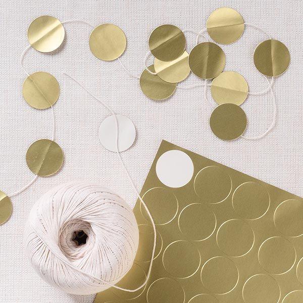 DIY guirnalda dorada para fiestas