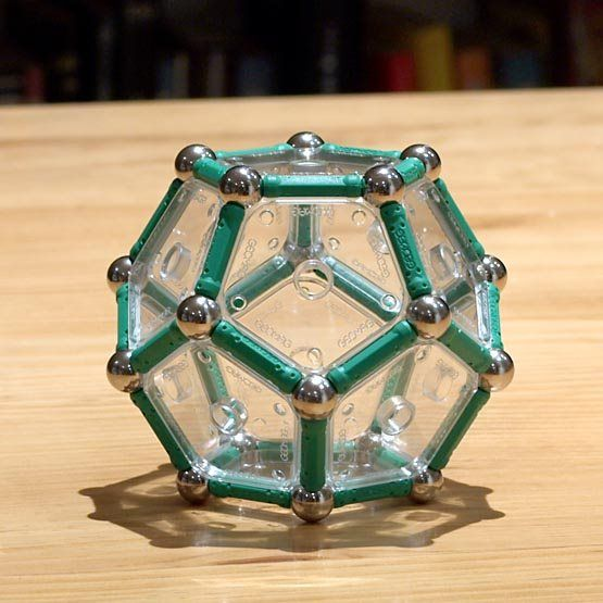 GEOMAG constructions: The reinforced dodecahedron