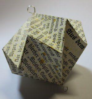 Heute zeigen wir euch, wie ihr diesen schönen Anhänger ganz einfach aus Papier falten könnt. Die genaue Anleitung findet ihr hier: http://all-taeglich.blogspot.de/2015/12/tausch-adventskalender-packchen-13-18.html Viel Spaß beim Nachfalten!