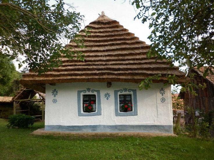 Bodnár Alexandra: Zemplén. Hungary. Little old cottage..