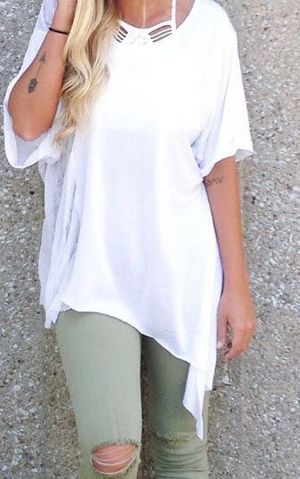 Add a colored denim to this solid oversized tee for extra style and comfort.
