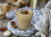 Salsa di noci. La salsa di noci è un condimento a base di noci per primi piatti o per carni, specialmente quelle bianchi come pollo o tacchino.