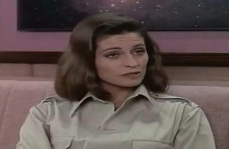 Jennifer Hetrick as Vash in ST TNG Qpid 06
