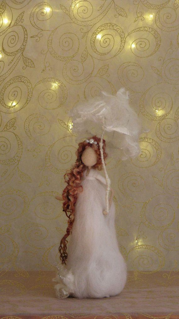 Naald vilten kunst pop Fairy met paraplu Waldorf door Made4uByMagic
