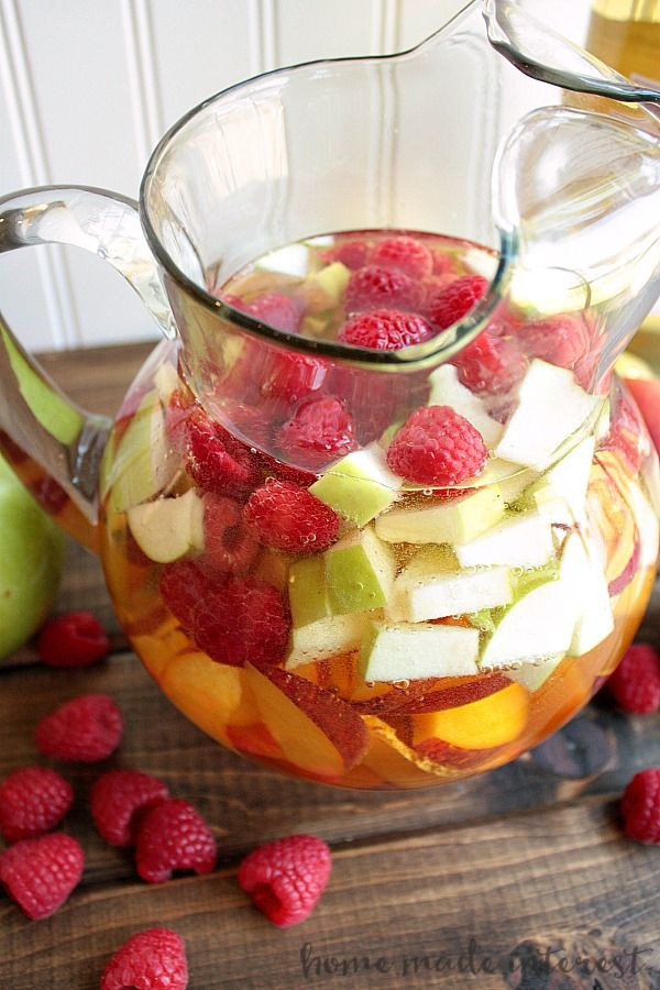 Best 25 moscato sangria ideas on pinterest mixed drinks with wine sangria with moscato for Green apple sangria olive garden recipe