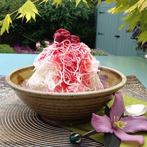Faloodeh is a #traditional Iranian #cold #dessert made from thin #noodles (made from #corn #starch) and s#yrups (made from #RoseWater and #sugar). It is usually served with #lemon #juice or #SourCherry syrup.  #food #PersianFood #IranianFood #cuisine #IranianCuisine #PersiaPort #RediscoverIran #Iran #Persia #Faloodeh #Faloode #Paloodeh #فالوده