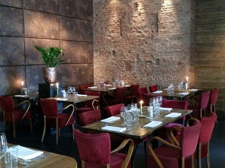 Meer dan 1000 idee n over metalen terrasmeubilair op pinterest veranda zweefvliegtuig metalen - Kleur trendy restaurant ...