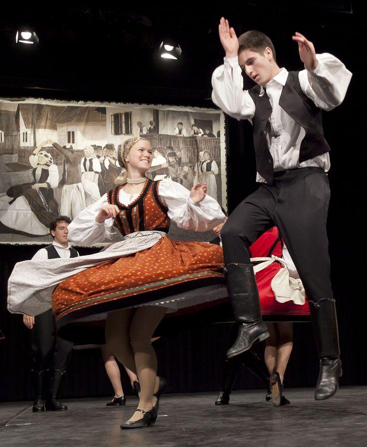 magyar néptánc - hungarian folk dance