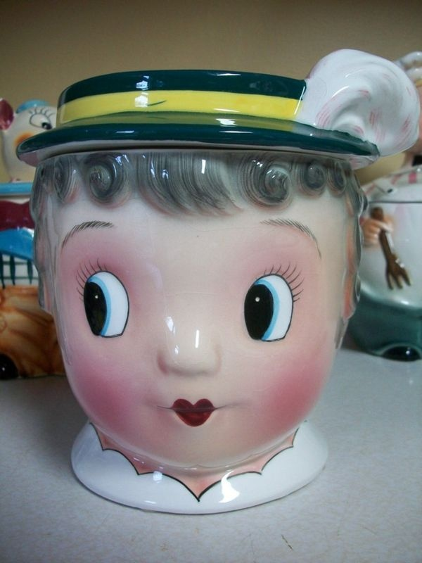 rare and vintage cookie jar from the 1950s.