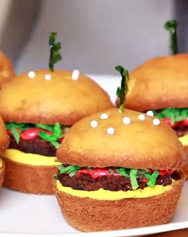 How to Make Cheeseburger Cupcakes #recipe