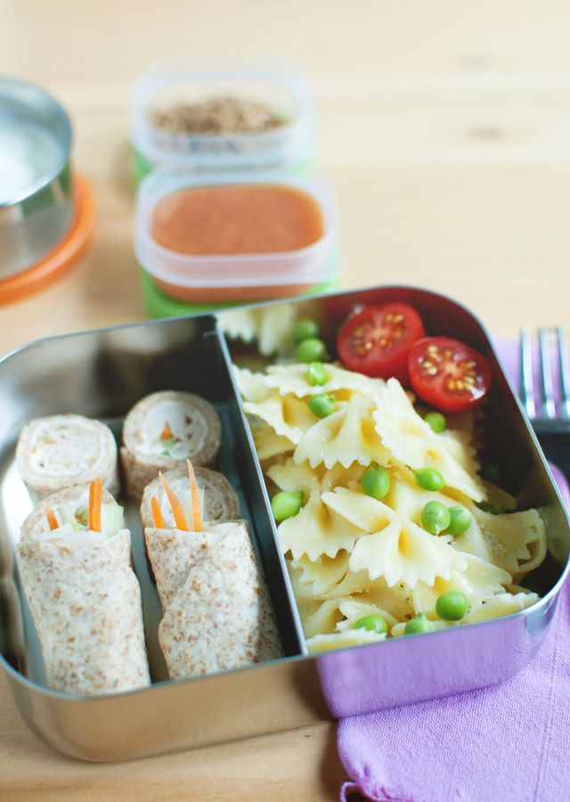 We are officially counting down the last few weeks of school, and sometimes making school lunches can get old so here are some spring school lunch ideas   LunchingDaily.com