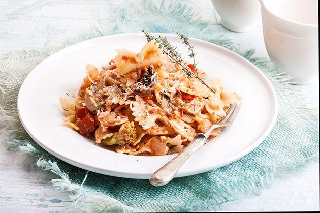 Φαρφάλε με κοτόπουλο, μανιτάρια,μπρόκολο και pesto rosso-featured_image