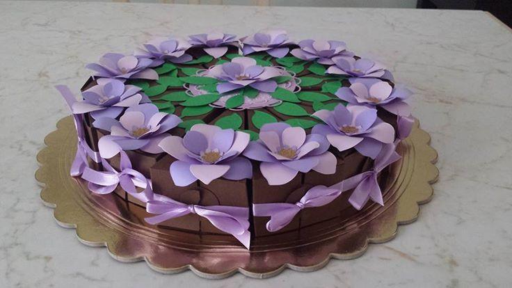 torta bomboniera interamente eseguita a mano