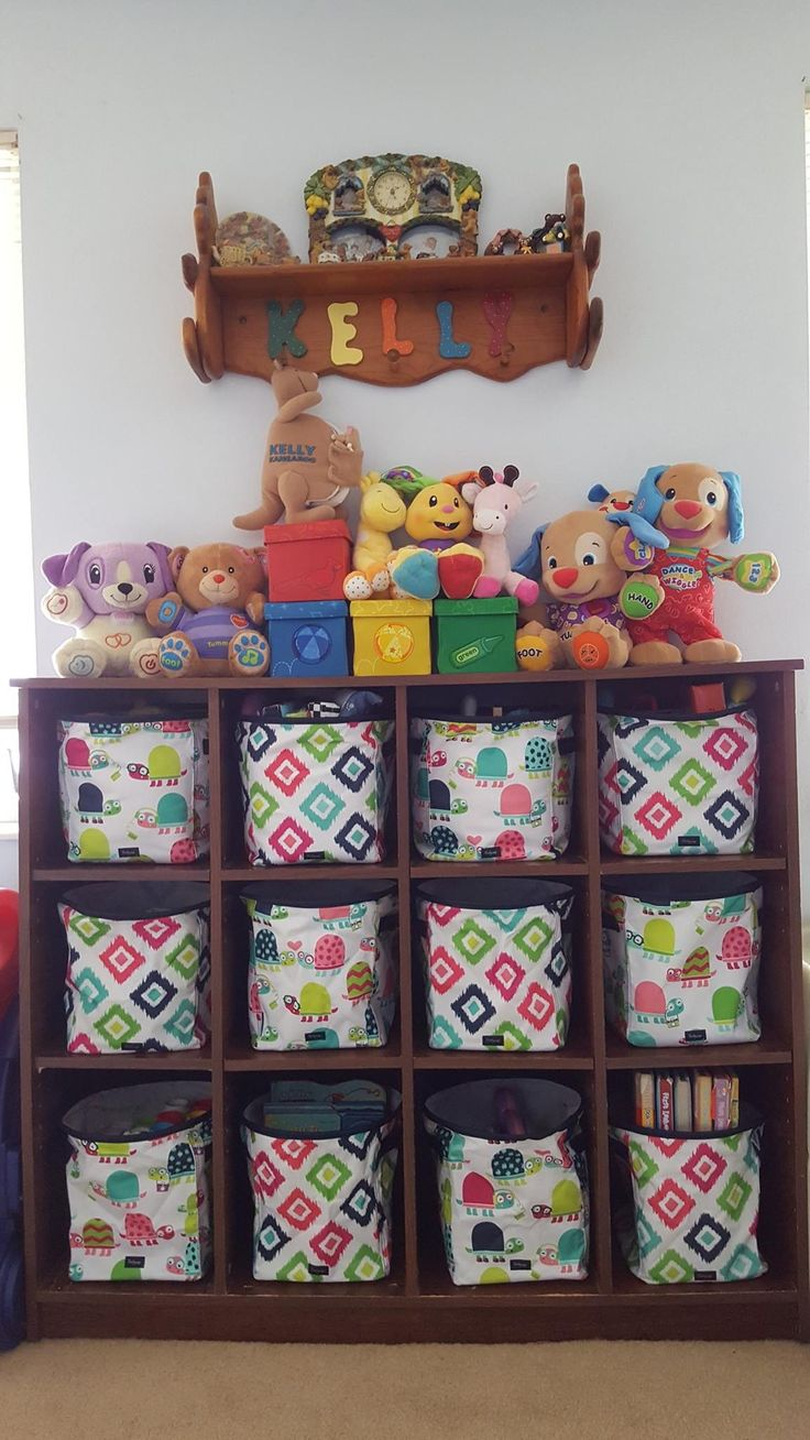 Toy room makeover! Mini storage bins in #candycorners and #topsyturttles from thirty-one gifts.