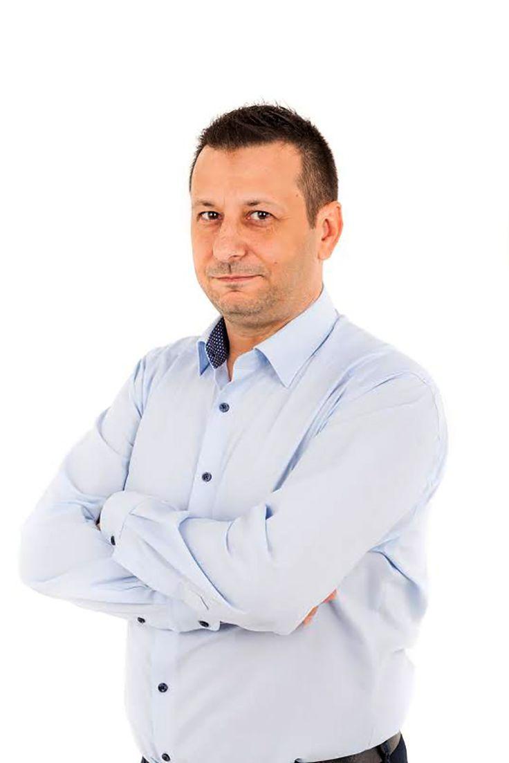 Aradi Tibor műsorrendelés: http://www.humorellato.hu/