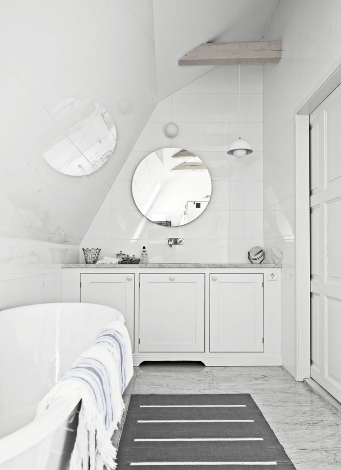round mirror, marble floor. Broby ren vit | Tradition | Produkter | Kvänum