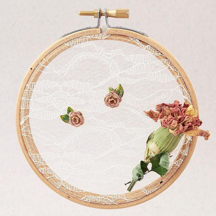 🌿🌸 :: The Vintage Rose Studs ::🌹🌿 . . . #BillSkinner #vintage #vintagejewellery #handpainted #enameljewellery #roses #rosejewellery #lace #vintagelace #craft #beautiful