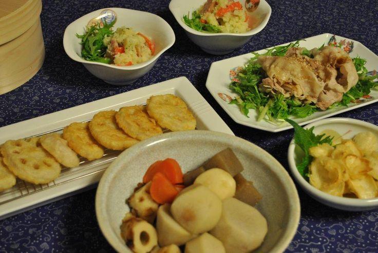 コンソメ味のポテトサラダ、レンコンの天ぷら、百合根の天ぷら、里芋の煮物、豚しゃぶ水菜サラダ