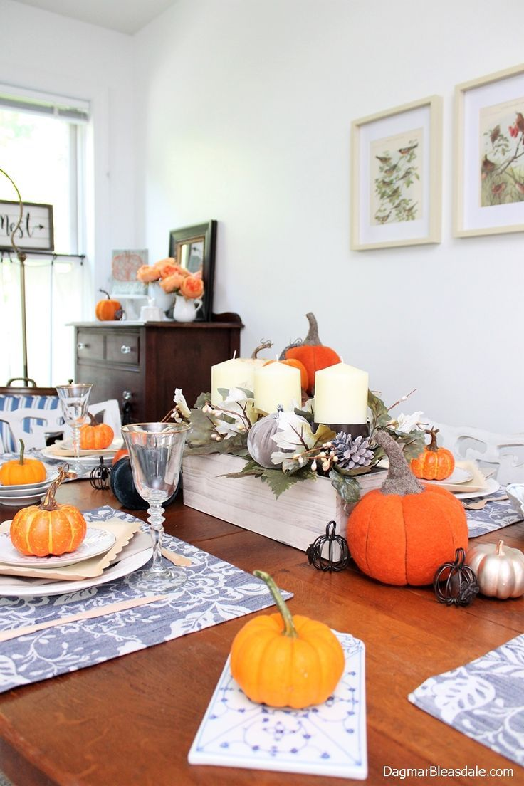 Charming Blue Cottage Fall Home Tour 2017. Dagmar's Home, DagmarBleasdale.com #fall #home #tour #pumpkin #tablescape #tablesetting #farmhouse #cottage