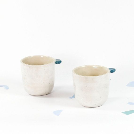 T A S S E  - C A F E // Tasse à café à oreille / Fait à la main / Céramique / Expresso / Minéraux moucheté sur grès blanc