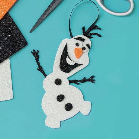 Hi, I'm Olaf and I like warm hugs! Add everyone's favourite snowman to your Christmas tree this year with the easy-to-make ornament.