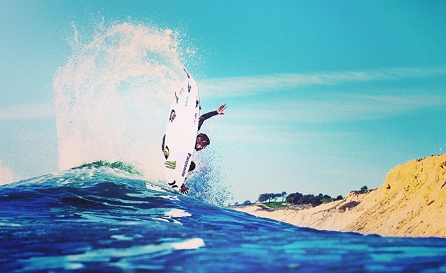 Sunday is better when you surf. Find your wave @mercerwestwood 🏄 ☀️🌴Sponsorship for #surfboard #brands is coming soon ! #sundays #beachlife #summeroutfit #surfculture #premium #wardrobe #essentials #ootd #beachvibes #casualstyle #newyorker #californialiving