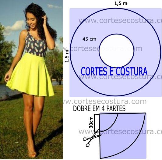 falda corta de color amarillo
