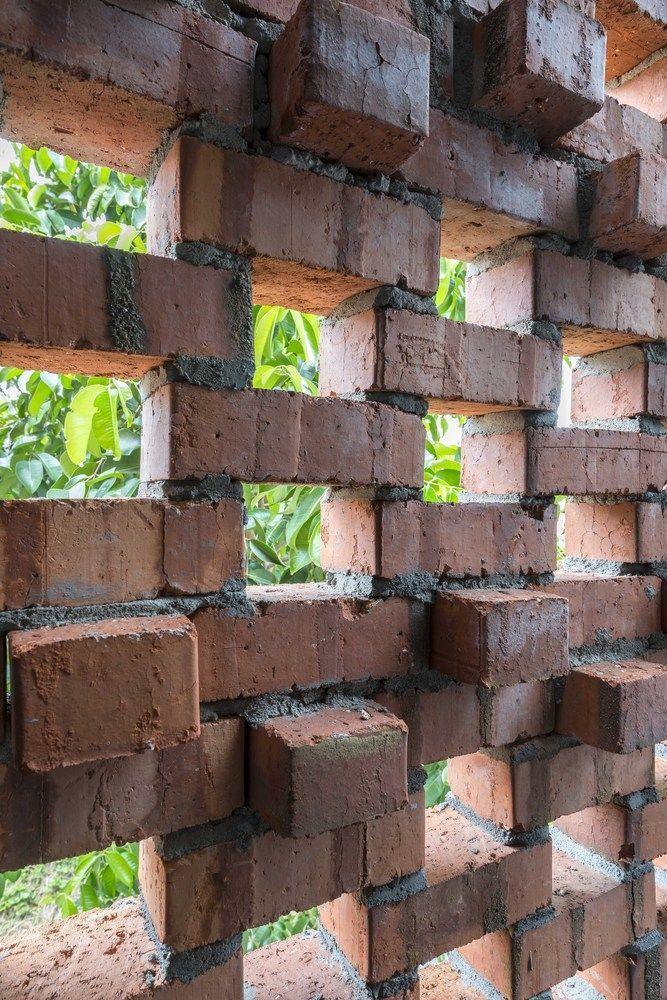 Galería de Clay Roof House / DRTAN LM Architect - 2