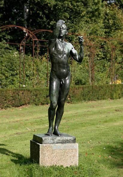 August Rodin - Kovový věk (kritika, že jsou to odlitky skutečných lidí)