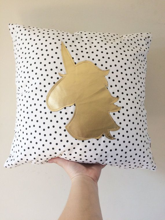 die besten 25 einhorn kissen ideen auf pinterest pl sch. Black Bedroom Furniture Sets. Home Design Ideas