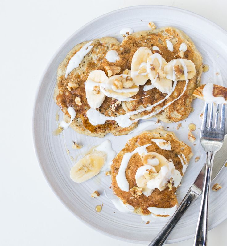 Fluffy, healthy and tasty, these banana nut pancakes leave no room for disappointment. Celebrate your morning with a plate of these hot flapjacks!