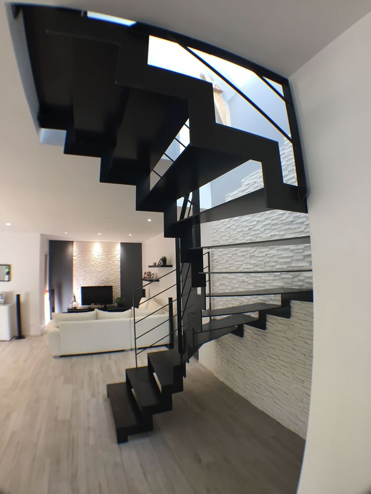 les 25 meilleures id es de la cat gorie escalier 2 4 tournant sur pinterest limon d escalier. Black Bedroom Furniture Sets. Home Design Ideas
