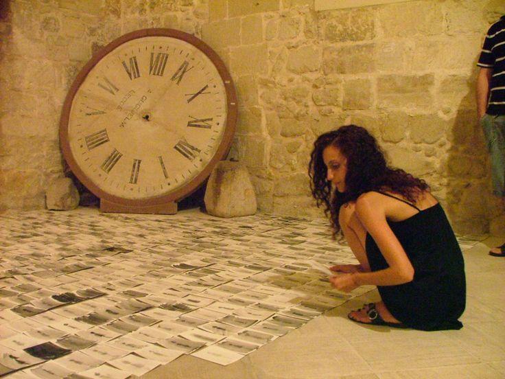 artist is present  istallazione performance