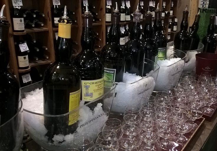 Les jéroboams de #Chartreuse en dégustation aux caves Bossetti
