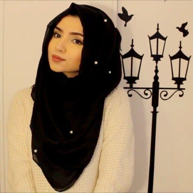 For this hijab style I'm using @thehijabsouq black pearl hijab cuz you guys already know how much I love my pearls ♥ #hijab #hijabfashion #hijabstyle #hijabtutorial #hijabvideo #video #tutorial #hijab_tutorial #saimascorner