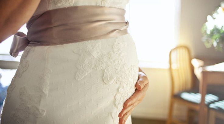 How to Embrace Being a Pregnant Bride