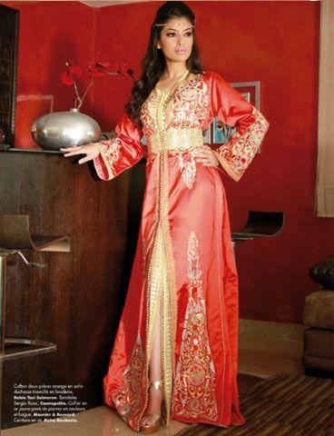 Caftan deux pièces Orange en satin duchesse travaillé en broderie. Vu sur Femmes du Maroc