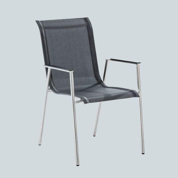 Ein Gartenstuhl Wie Aus Einem Guss Der Filigrane Armlehnstuhl